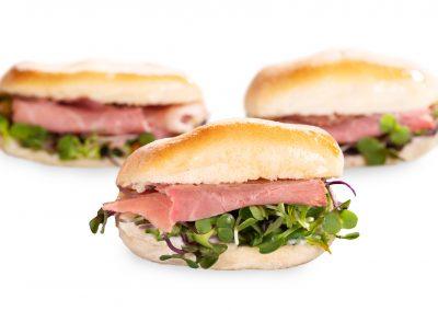 cbecatering.es;chapatina de roast-beef con microbrotes
