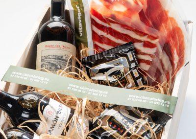 Box de vinos y jamón ibérico